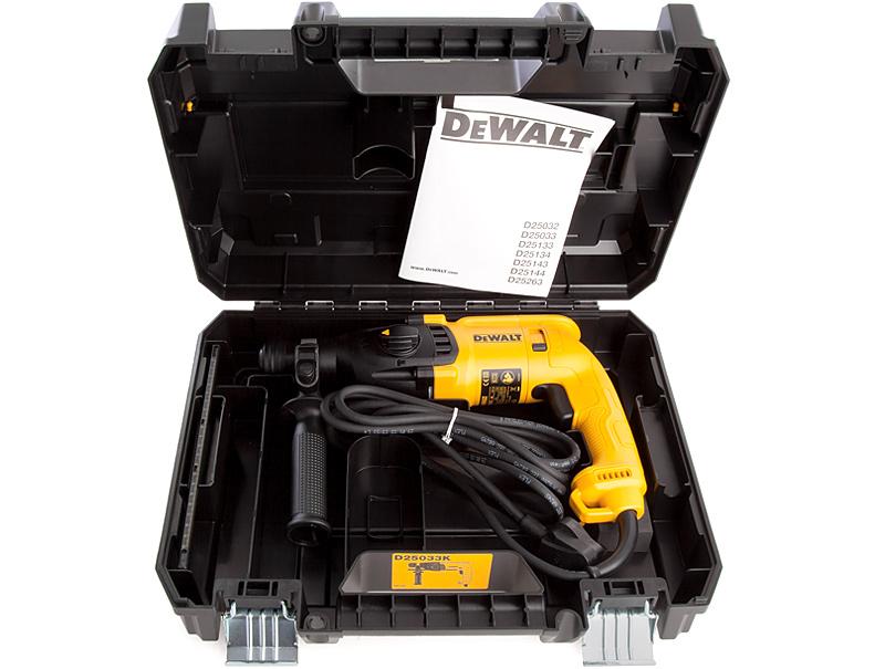 Перфоратор DeWALT D25033K