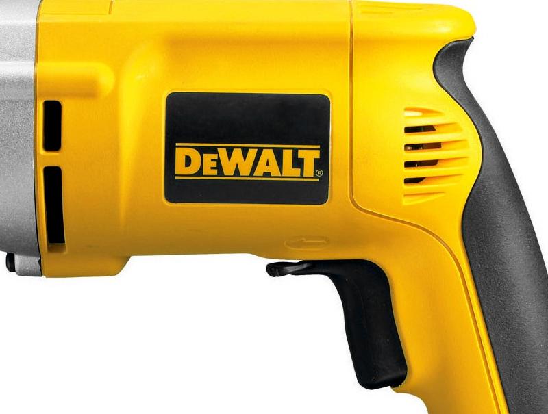 Безударная дрель DeWALT DW221